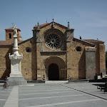 23 - Iglesia de San Pedro.JPG