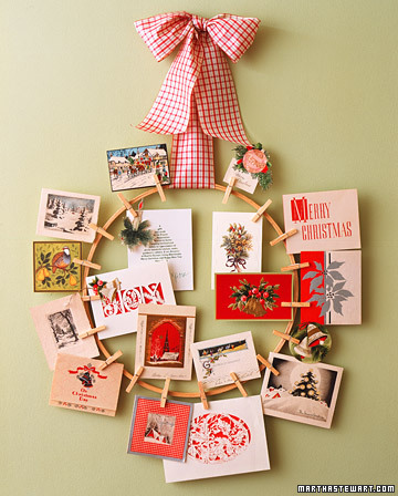 This is a great way to display your holiday cards while also creating a decoration for your wall or a door.