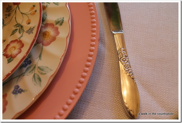 sweet pink tulip tablescape