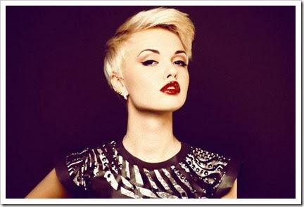 Rambut Blonde Pendek untuk Wajah Bulat