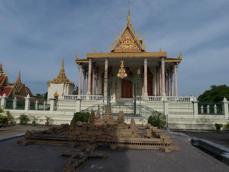 Obiective turistice Cambogia: Pagoda de Argint din Phnom Penh