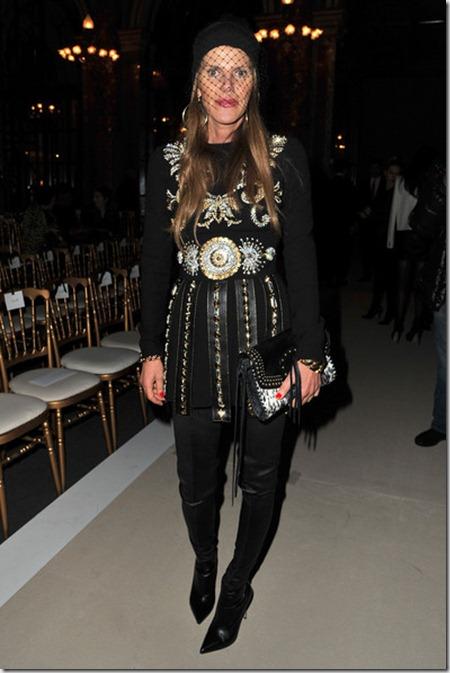 Balmain Front Row Paris Fashion Week Womenswear 6cYDGTn8LrXl