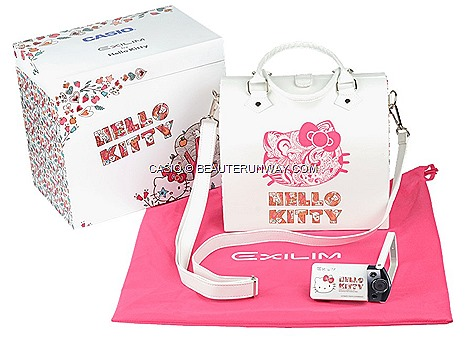 CASIO CAMERA EXILIM EX-TR10 HELLO KITTY SINGAPORE SANRIO HONG KONG COMEX 2013 LIMITED EDITION EXCLUSIVE wooden case, passport holder, bag,pouch, strap, screen cleaner powerful dual-core EXILIM HS3 beauty mode flawless skin