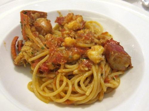 Linguine di Gragnano all'aragosta sarda - Linguine from Gragnano with rock lobster