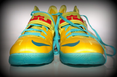 nike zoom soldier 7 ss yellow blue 1 02 Nike Zoom Soldier VII   Sonic Yellow / Blue Gamma   Sample