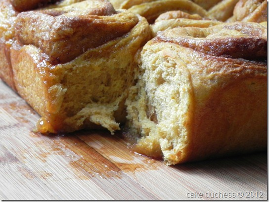 pumpkin-cinnamon-rolls-5