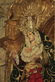 esperanza-guadix-vestida-para-la-coronacion-canonica-de-la-soledad-alvaro-abril-2012-(13).jpg