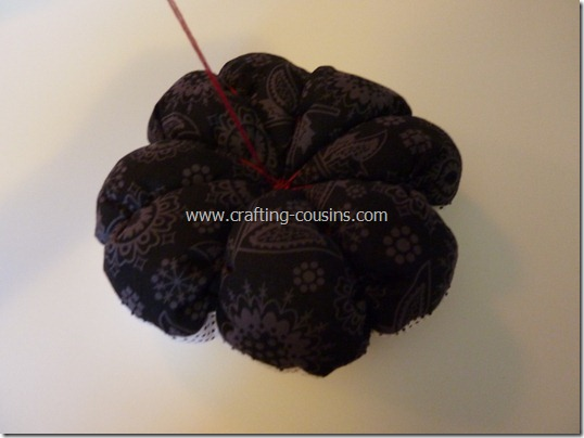 Sew your own flower pincushion tutorial from the Crafty Cousins (30)