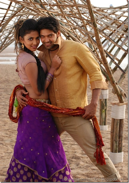 amala-paul-and-arya-dance-images-vattai-02