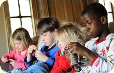 kids_knitting