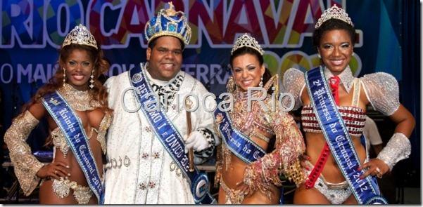 a-rainha-cristiane-de-souza-alves-o-rei-momo-milton-junior-e-as-princesas-leticia-martins-guimaraes-e-suzan-maria-souza-goncalves-posam-para-foto-na-cidade-do-samba-no-rio-28102011