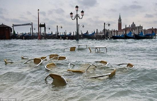 Veneza - enchente (8)