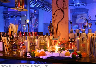 'Bar' photo (c) 2005, Ricardo Liberato - license: http://creativecommons.org/licenses/by-sa/2.0/