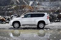 2014-Toyota-Land-Cruiser-Prado-23.jpg