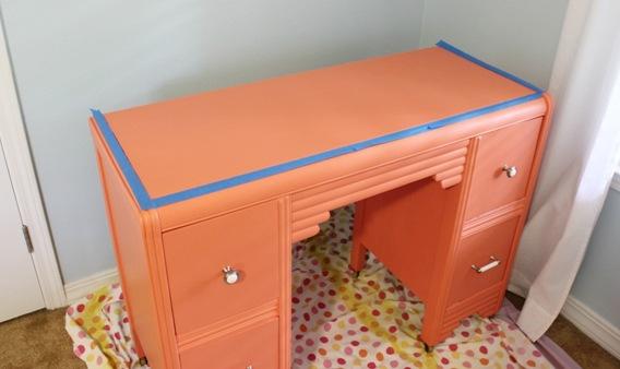desk 008
