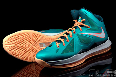 lebron10 dolphins 35 web black The Showcase: Nike LeBron X Setting / Miami Dolphins