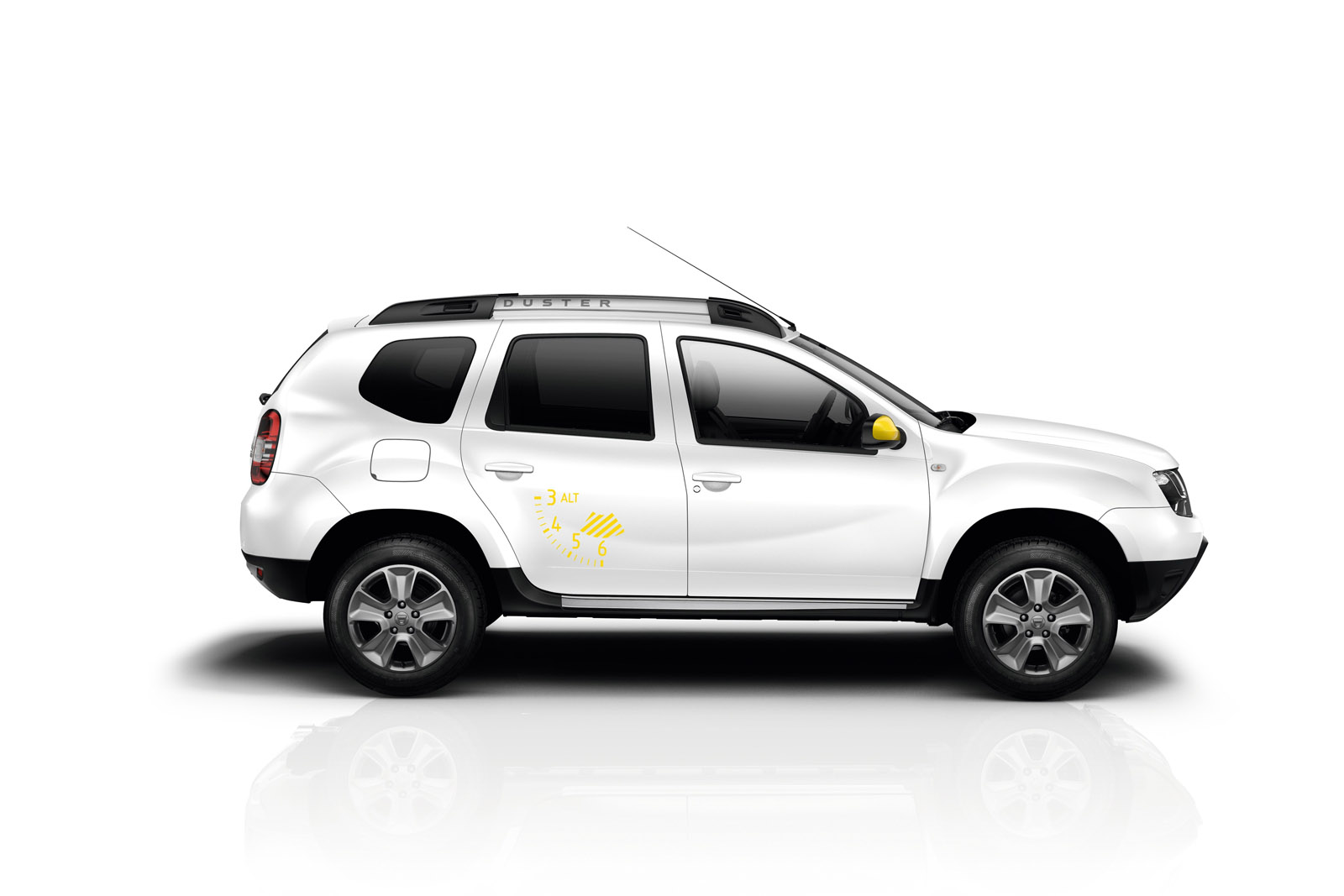 Yeni Dacia Duster Air ve Sandero Black Touch Paris'te ...