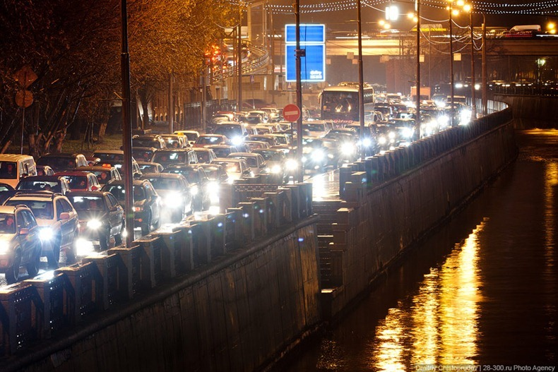 moscow-traffic-jam-18