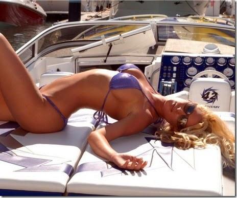 summer-bikinis-babes-008