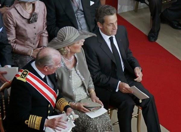 El presidente francés, Nicolás Sarkozy, en el Palacio Grimaldi, espera a que comience la ceremonia