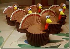 Perfect-Thanksgiving-Turkey-Cupcakes[1]