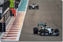 Hamilton precede Rosberg ad Abu Dhabi 2014