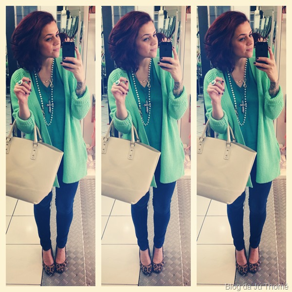 look jeans e maxi cardigã verde FARM