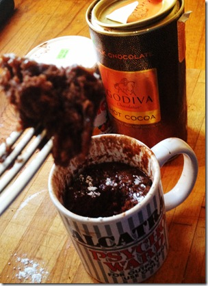 nutella-mug-cake-five-minute