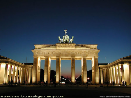 4. Poarta Brandenburg.jpg