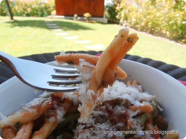 fusilli pasta pomodoro pecorini sarde melanzane