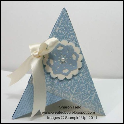 blue_Christmas, Christmas, Pyramid_card, libby_Dyson, tutorial, beau_chateau, Designer_Series_Paper, punches, createdbyu_Blogspot, sharon_field, ribbon, stamps, tags_til_christmas, creative_elements, many_merry_messages, pyramid, 3D