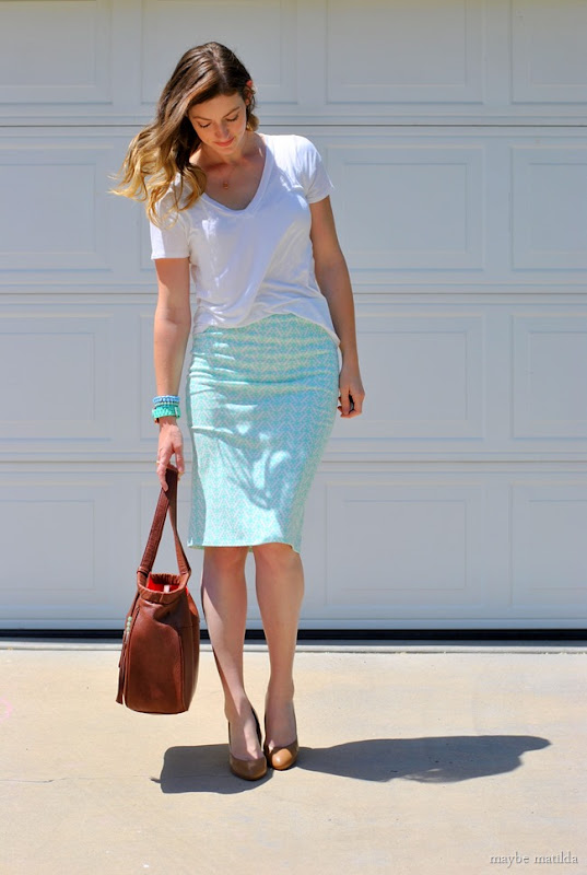 mint skirt + cream tee + beige/gold accessories // www.maybematilda.com