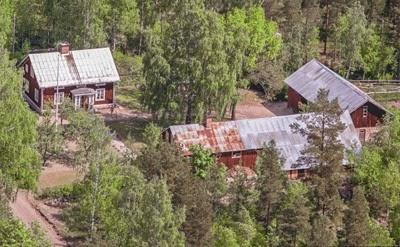 Gården Högbo i Lågbo. Foto: Svenska Aerobilder AB