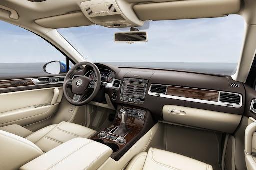 VW-Touareg-2015-08.jpg