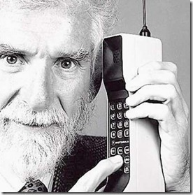 Abuelo-con-un-telefono-abuelo