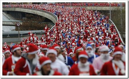 Miles de Santa Claus en Liverpool (Inglaterra)