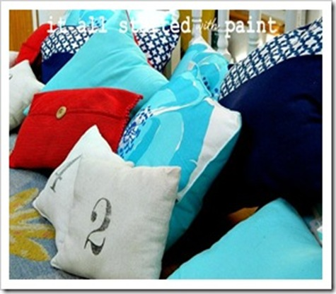 Porch-Pillows-Indoors-600x450-2_thum