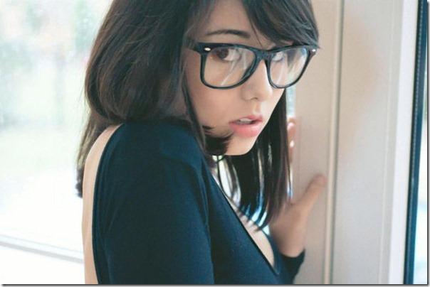 lindas mulheres de oculos (3)