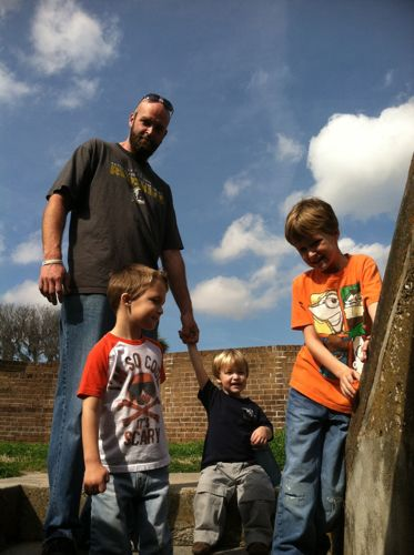 Fort+Pulaski+Pence+Boys