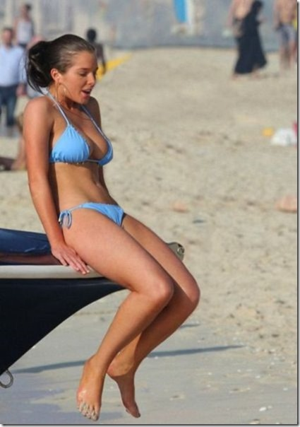 bikini-beach-babes-23