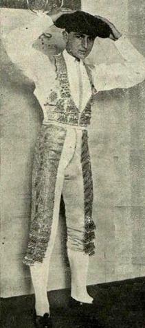 1914-07-03 PyP Joselito antes de ir a la plaza