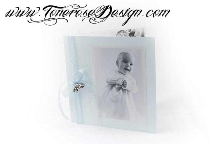 Vakre takkekort barnedåp - lyseblå - boblebil
