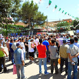 De non-jeûneurs observent un rassemblement à Akbou (Béjaia)