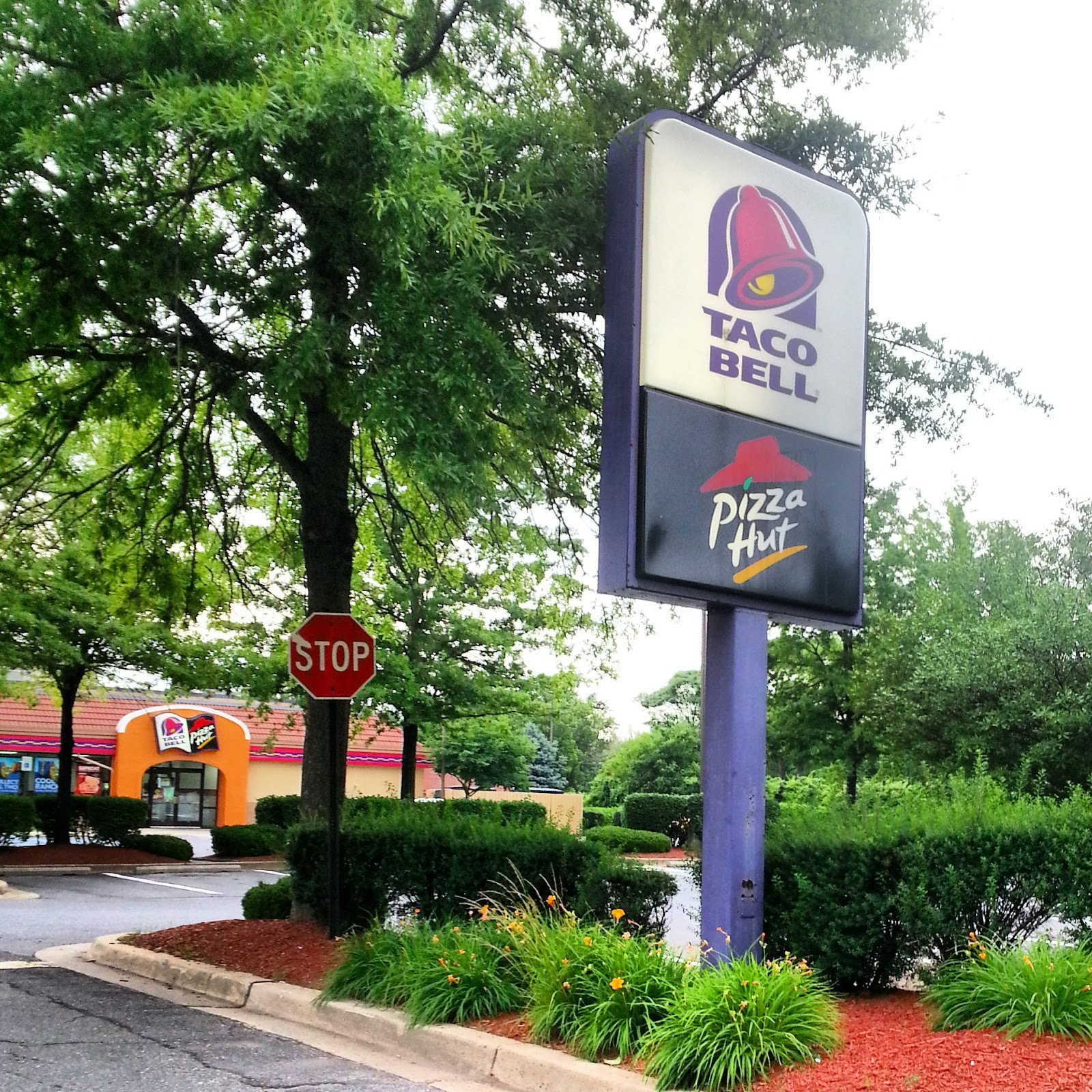Taco Bell Pizza Hut Drive Thru Menu Taco bell/pizza hut menus