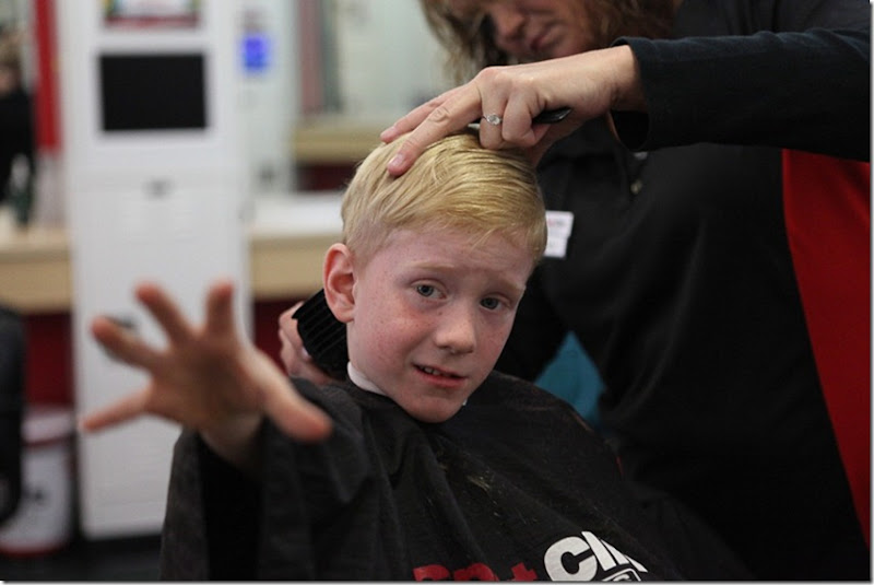 Alex getting a sportsclip haircut (9)-blog