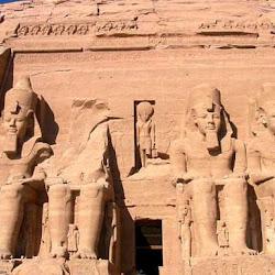 29 - Entrada al Speo de Ramses II en Abu Simbel