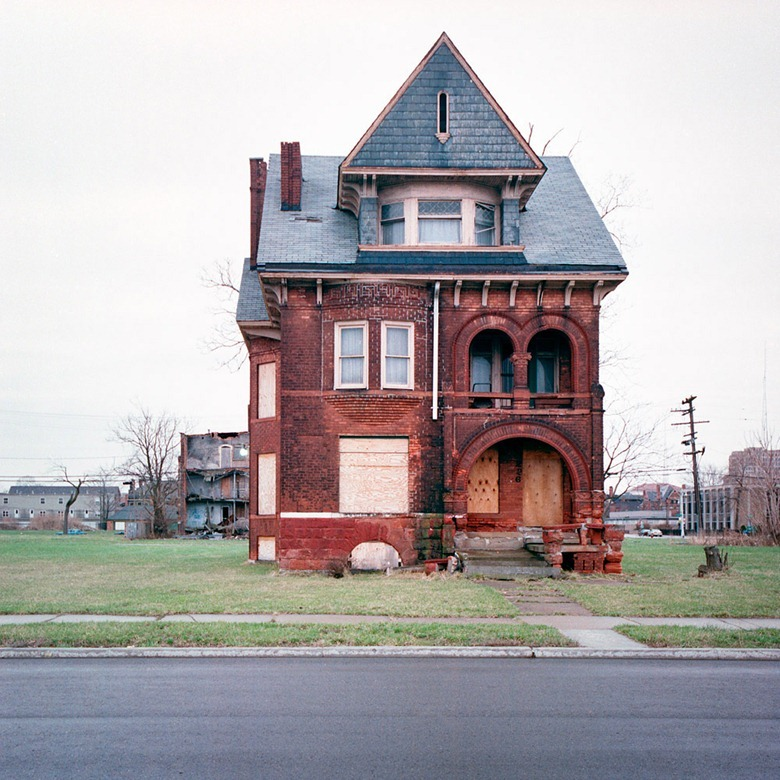 abandoned-detroit-homes10