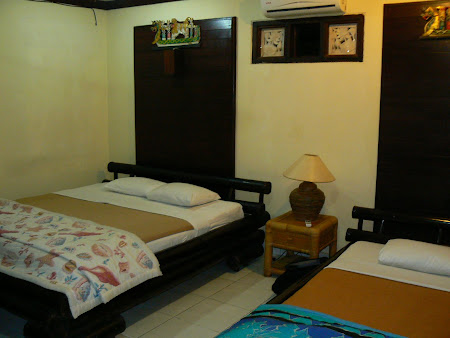 How a room looks like in a Bali guesthouse