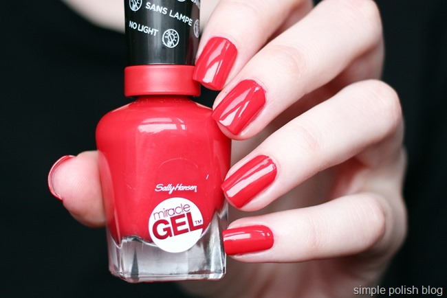Sally-Hansen-Miracle-Gel-Red-Eye-2