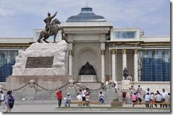 07-20 oulan bator 012 800X sukhbaatar face a  gengis khan